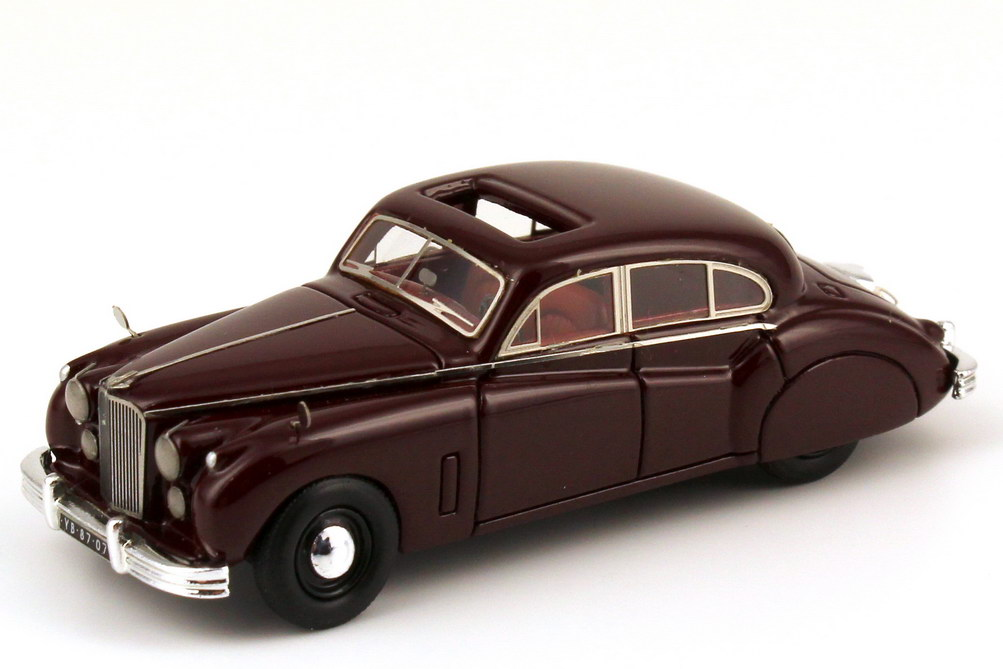 Foto 1:87 Jaguar MK 7 bordeaux-rot NEO Scale Models 87207