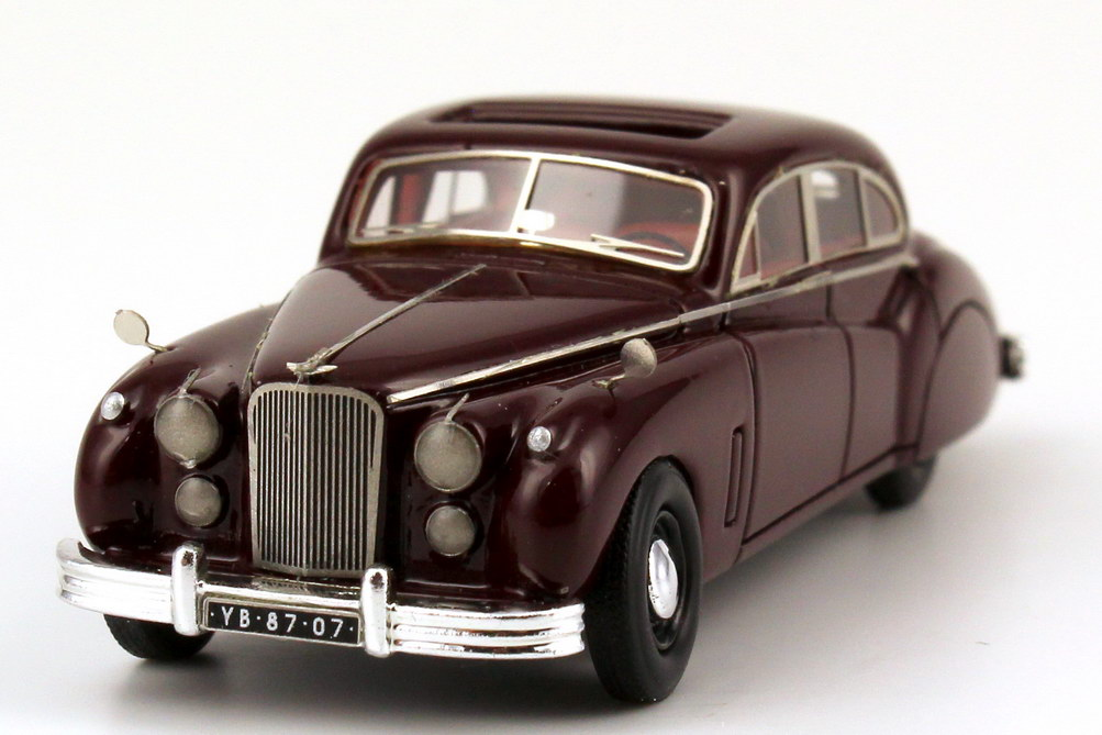 Foto 1:87 Jaguar MK 7 bordeaux-rot NEO Scale Models 87207