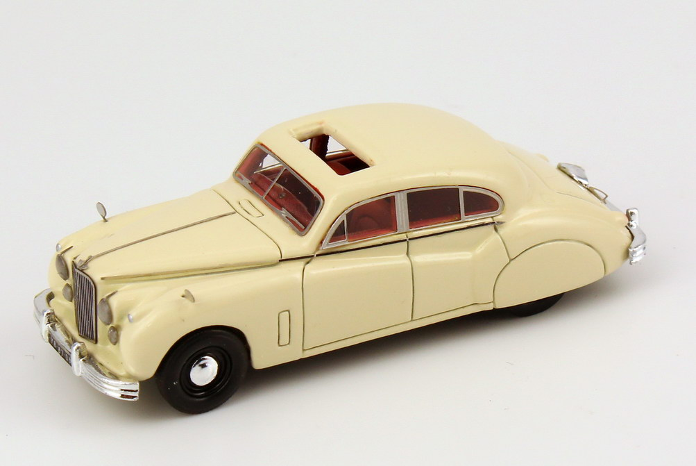 Foto 1:87 Jaguar MK 7 creme-weiß NEO Scale Models 87206