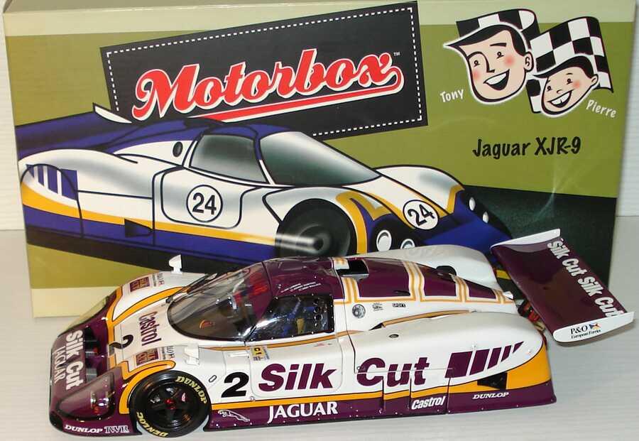 Foto 1:18 Jaguar XJR-9LM Silk Cut Nr.2, Lammers/Dumfries/Wallace (Winner LeMans 24 Hours 1988) Exoto MTB00104
