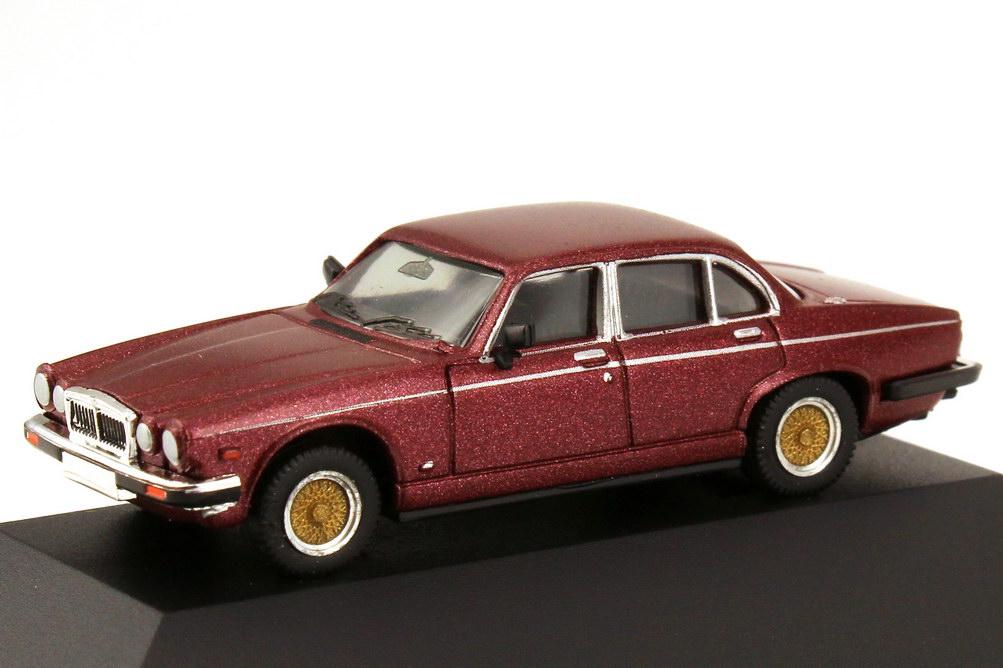 Foto 1:87 Jaguar XJ 12 5,3 bordeaux-rot-met. herpa 30020