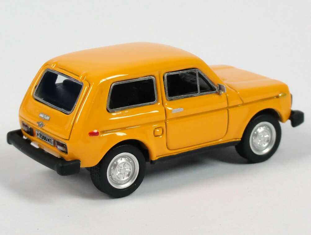 Foto 1:87 Lada Niva 2121 orange NEO Scale Models 87256