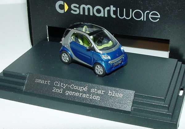 Foto 1:87 MCC Smart City-Coupé (2nd generation) star-blue-met./silber-met. Werbemodell Busch 0012445V002C55Q00