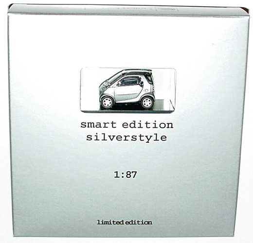Foto 1:87 Smart City-Coupé C450 silber-met. edition silverstyle - Werbemodell - Busch 0009894V001C05Q00