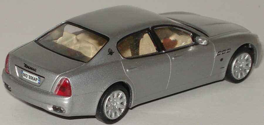 Foto 1:87 Maserati Quattroporte 2003 silber-met. Ricko 38806