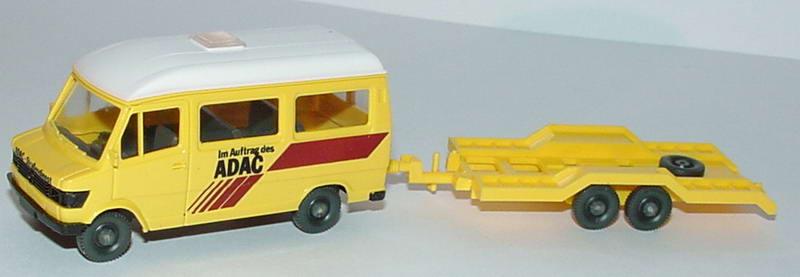 Foto 1:87 Mercedes-Benz 207D Bus Hochdach mit Autotransportanhänger Im Auftrag des ADAC  Wiking 062