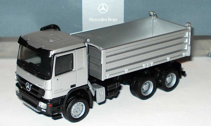 Foto 1:87 Mercedes-Benz Actros M MP3 3a Baukipper silber-met. Werbemodell herpa B66000826