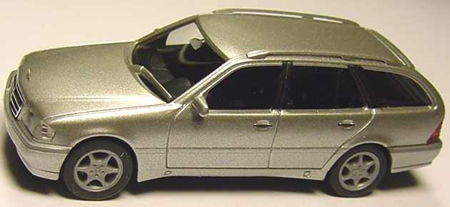 Foto 1:87 Mercedes-Benz C 180 Touring Facelift (S202) silber-met. herpa 032391
