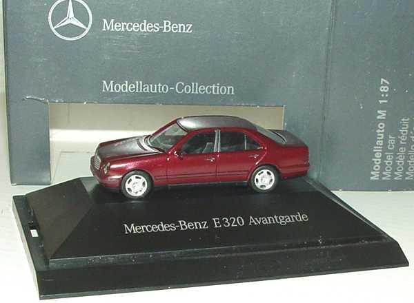 Foto 1:87 Mercedes-Benz E-Klasse E 320 Avantgarde W210 rubinrot-met. - Werbemodell - herpa B66005624