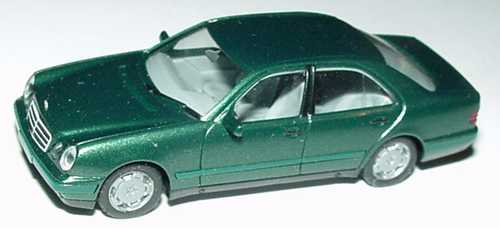 Foto 1:87 Mercedes-Benz E 320 (W210) dunkelgrün-met. herpa 031813