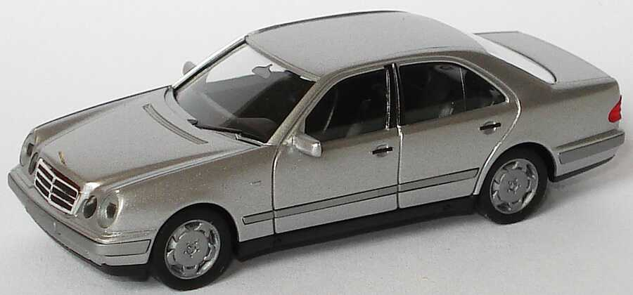 Foto 1:87 Mercedes-Benz E 320 (W210) silber-met. herpa 031813