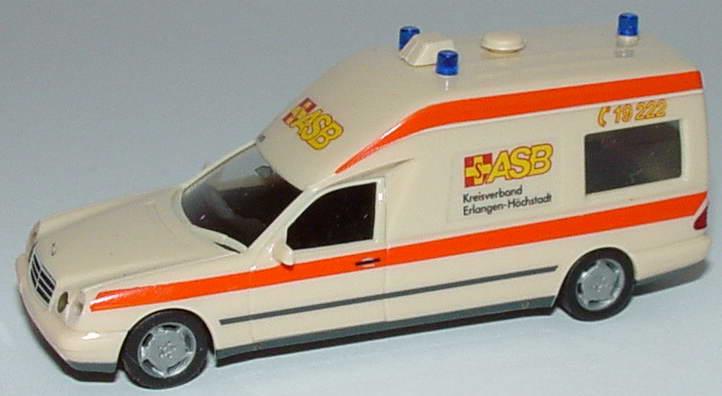 Foto 1:87 Mercedes-Benz W210 Binz KTW ASB Kreisverband Erlangen-Höchstadt herpa 044660