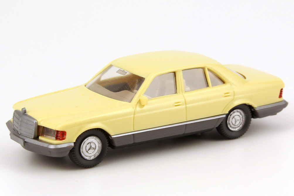 Foto 1:87 Mercedes-Benz 500SE (W126) schwefel-gelb Wiking 157