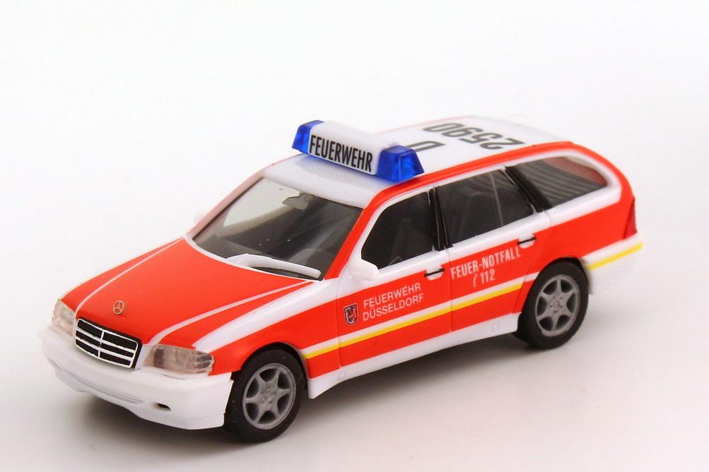Foto 1:87 Mercedes-Benz C-Klasse Touring Facelift (S202 MOPF) ELW Feuerwehr Düsseldorf D 2590 herpa 045568