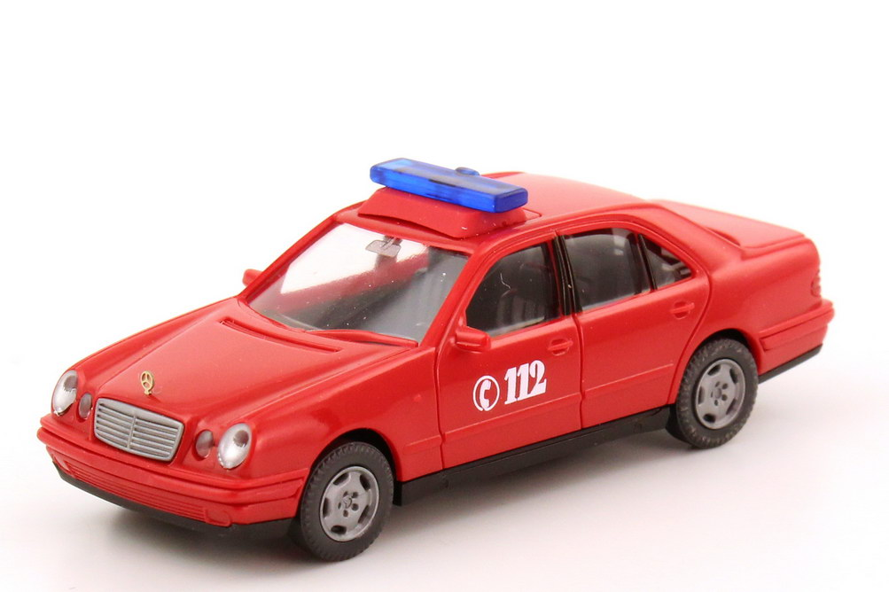 Foto 1:87 Mercedes-Benz E-Klasse (W210) Feuerwehr ELW rot Wiking 60006