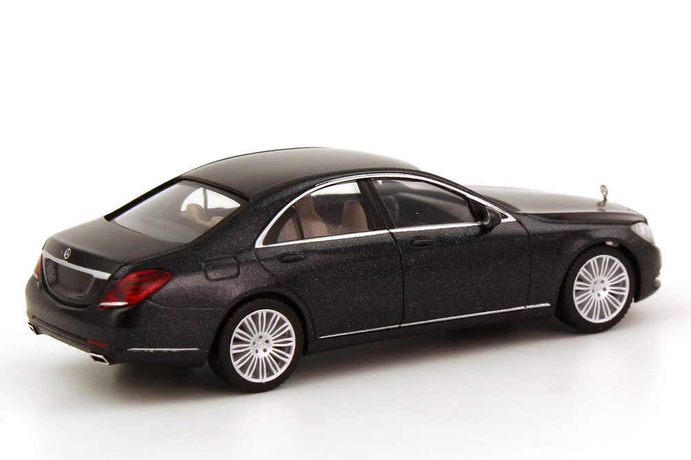 Foto 1:87 Mercedes-Benz S-Klasse 2013 Langversion (V222) magnetit-schwarz-met. Werbemodell herpa B66960152