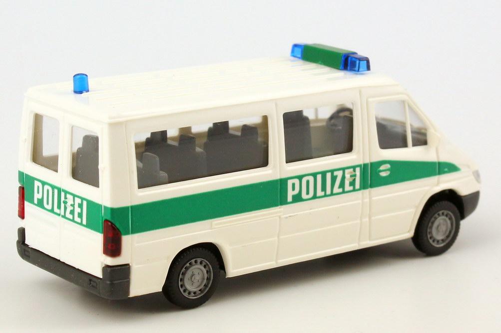 Foto 1:87 Mercedes-Benz Sprinter Facelift Bus Polizei weiß/grün Wiking 10412