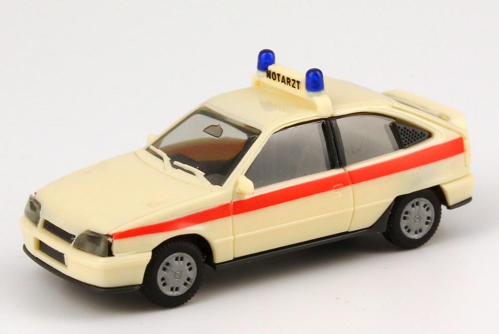 Foto 1:87 Opel Kadett E GSi Notarzt NEF beige / rot herpa 041072