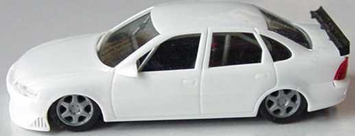 Foto 1:87 Opel Vectra B STW weiß, geänderte Felgen herpa 022651