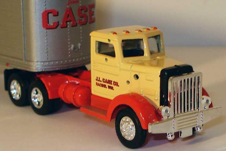 Foto 1:87 Peterbilt 280 (1949) KoSzg 3/2 CASE - Tractors and equipment Ertl 4266