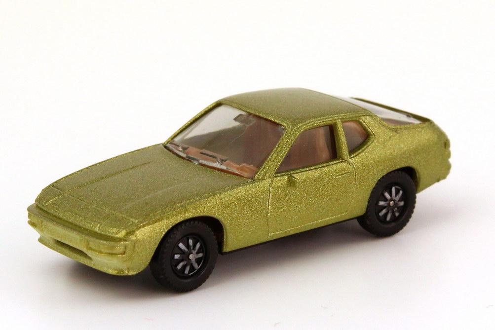 Foto 1:87 Porsche 924 olivgrün-met., einteilige Räder herpa 3002