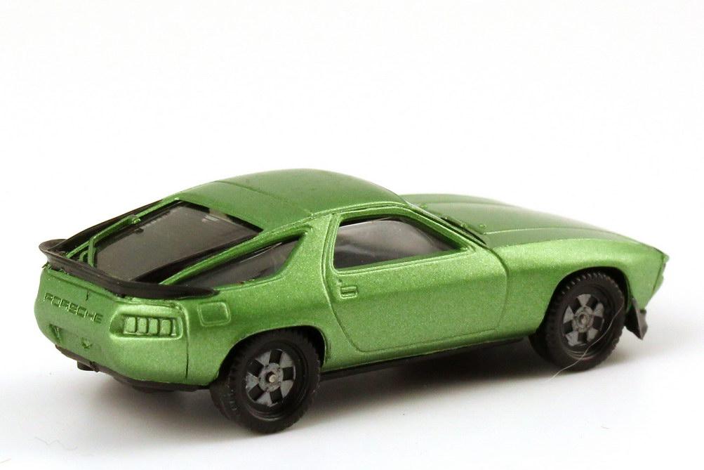 Foto 1:87 Porsche 928S hellgrün-met., Räder einteilig herpa 3025