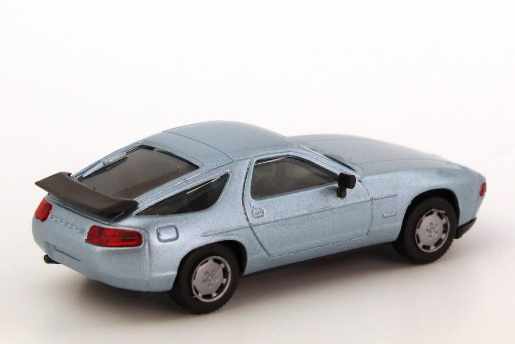Foto 1:87 Porsche 928 S4 blausilber-met. herpa 3071