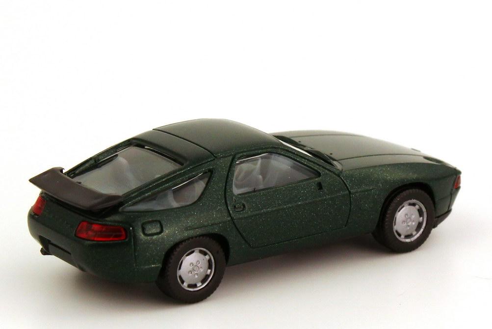 Foto 1:87 Porsche 928 S4 dunkel-grün-met. - herpa 3071