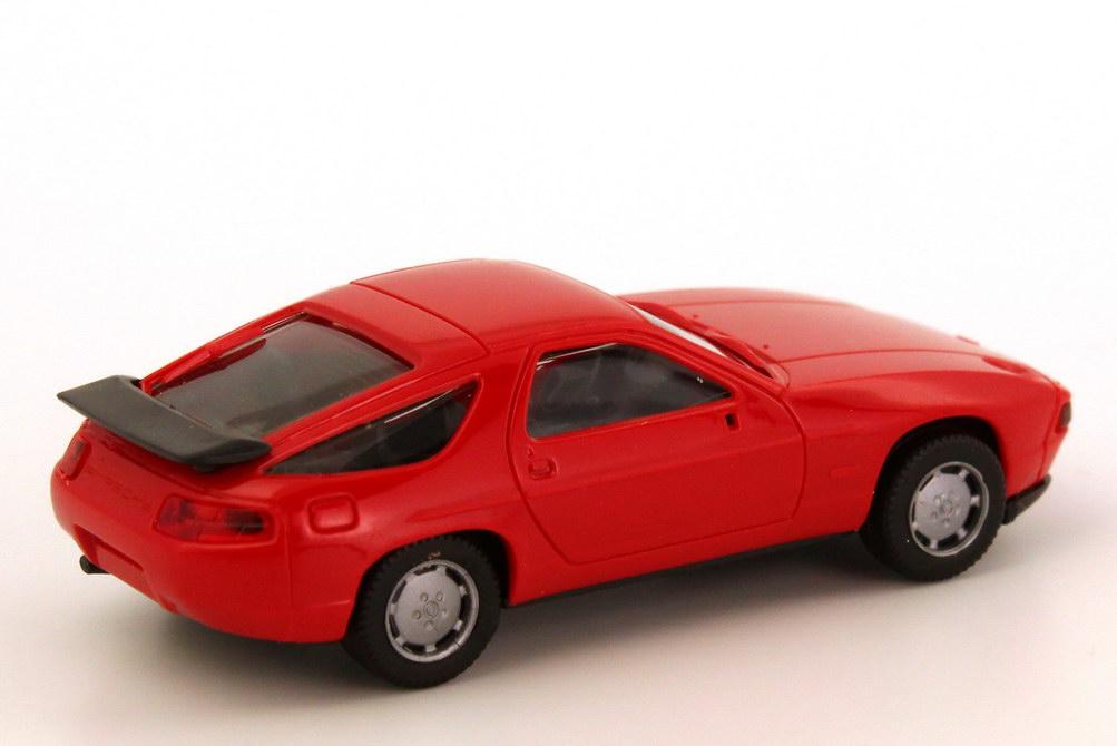 Foto 1:87 Porsche 928 S4 rot herpa 2071