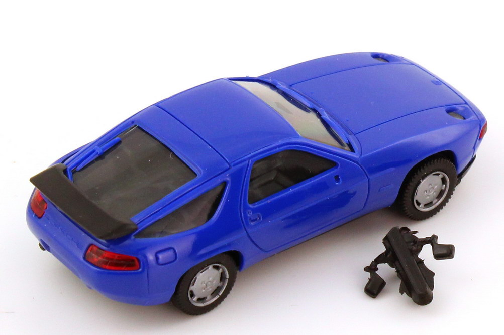 Foto 1:87 Porsche 928 S4 royal-blau - herpa 020718