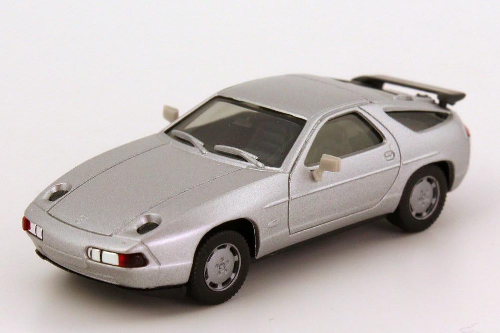 Foto 1:87 Porsche 928 S4 silbermet., graue Spiegel herpa 3071