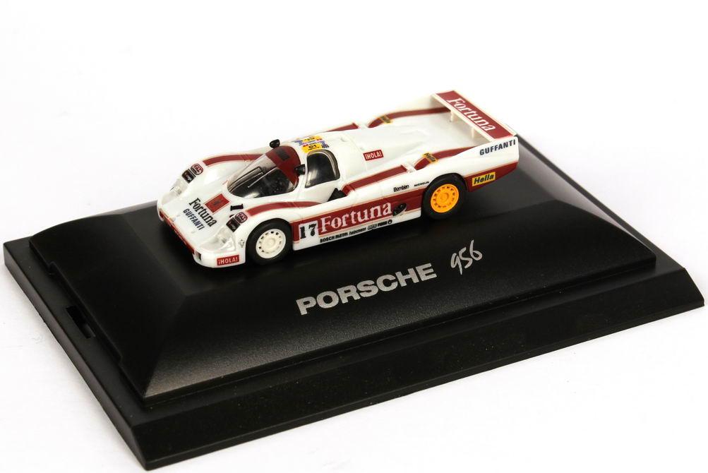 Foto 1:87 Porsche 956 L 24h von LeMans 1986 Fortuna Nr.17, Larrauri / Pareja / Gouhier (2. Platz) Trumpeter 16113