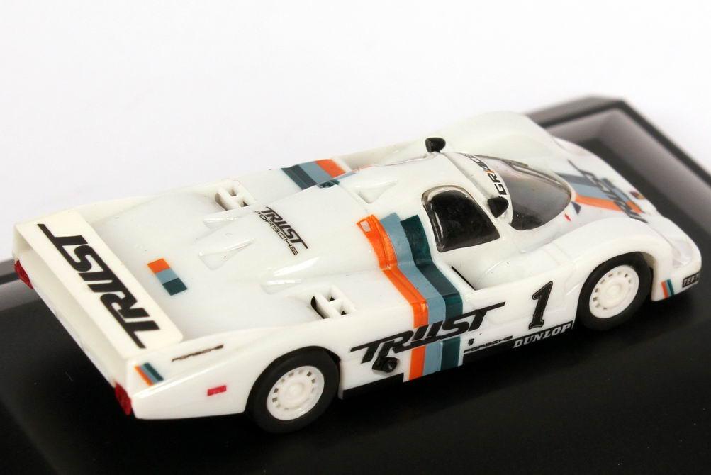 Foto 1:87 Porsche 956 L All Japan Sports Prototype Championship 1983 Trust Racing Nr.1, Schuppan / Fujita (Meister) Trumpeter 16103