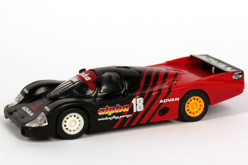 Foto 1:87 Porsche 956 L All Japan Sports Prototype Championship 1984 alpha Advan, Nova Engineering Nr. 18, Takahashi / Kunimitsu Trumpeter 16107