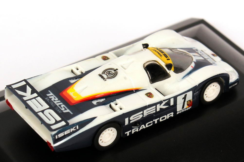 Foto 1:87 Porsche 956 L All Japan Sports Prototype Championship 1985 Iseki, Trust Racing Nr.1, Schuppan / Suzuki Trumpeter 16104