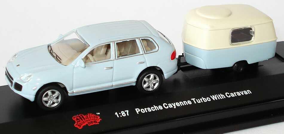 Foto 1:87 Porsche Cayenne Turbo hellblau mit Wohnwagen Malibu International 06000