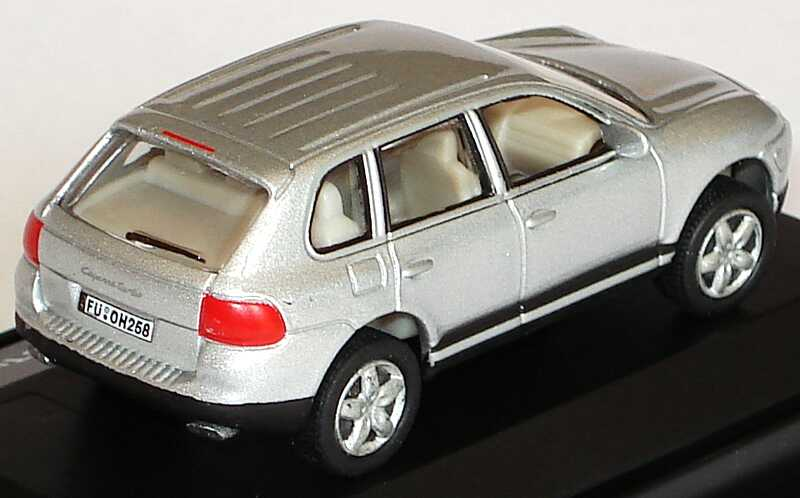 Foto 1:87 Porsche Cayenne Turbo silber-met. Malibu International 114