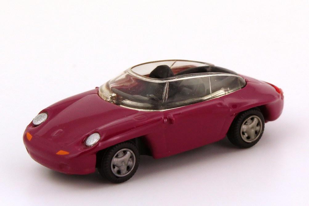 Foto 1:87 Porsche Panamericana brombeerpink Hohmann