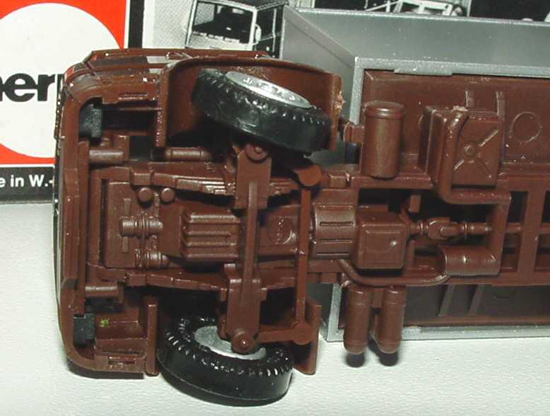 Foto 1:87 Saurer OM Iveco Turbo 2a Ko-Lkw braun/silber herpa 815390