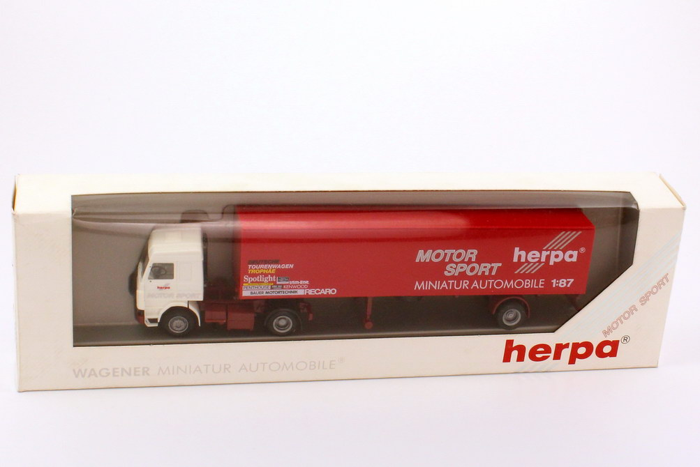 Foto 1:87 Scania R113 Topline Renntransporter KoSzg 2/1 herpa Motorsport herpa 822054