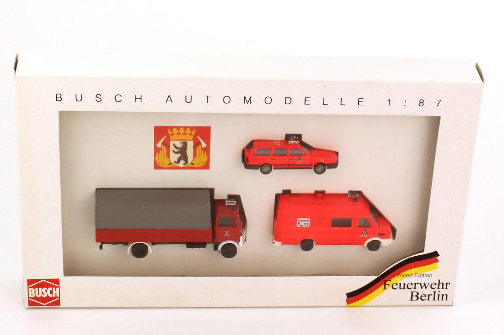 Foto 1:87 Set-Packung Feuerwehr Berlin (VW Passat Variant II + Iveco Daily + Mercedes-Benz LP 813) Busch 49924