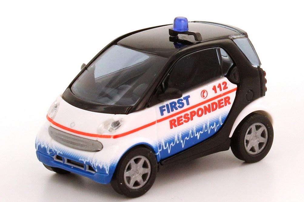 Foto 1:87 Smart City-Coupé First Responder Busch 48939