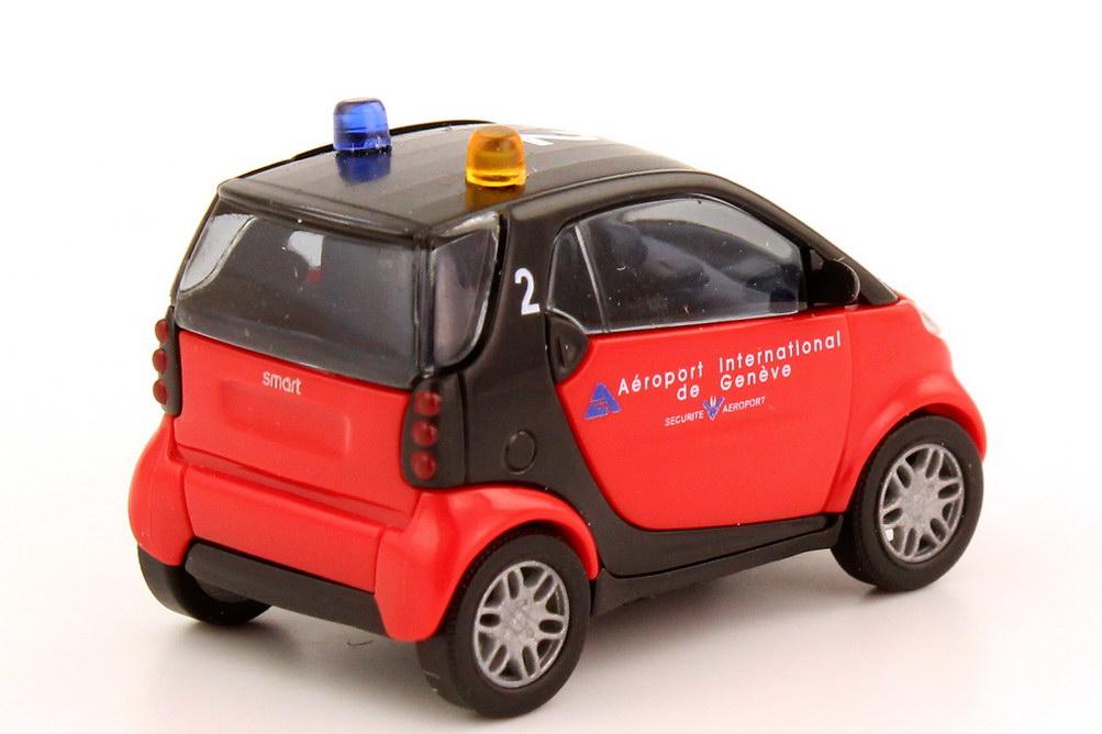 Foto 1:87 Smart City-Coupé Feuerwehr Flughafen Genf Busch 48912