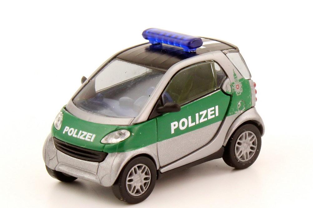 Foto 1:87 Smart City-Coupé C450 Polizei Hamburg silber-met. grün - Dachkennung 11 - Busch 48910
