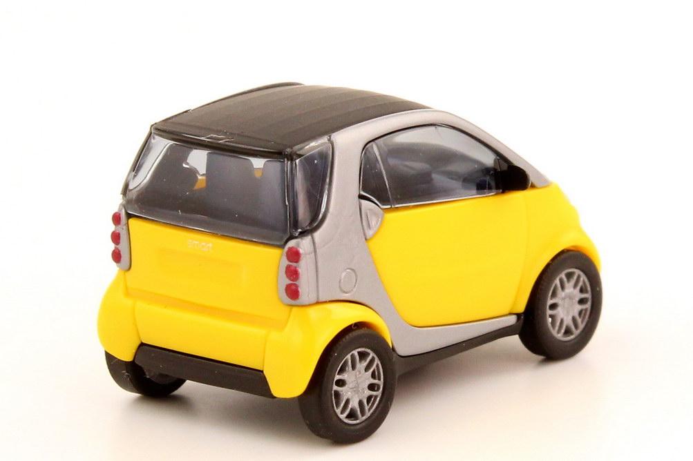 Foto 1:87 Smart City-Coupé gelb/silber Busch 48900