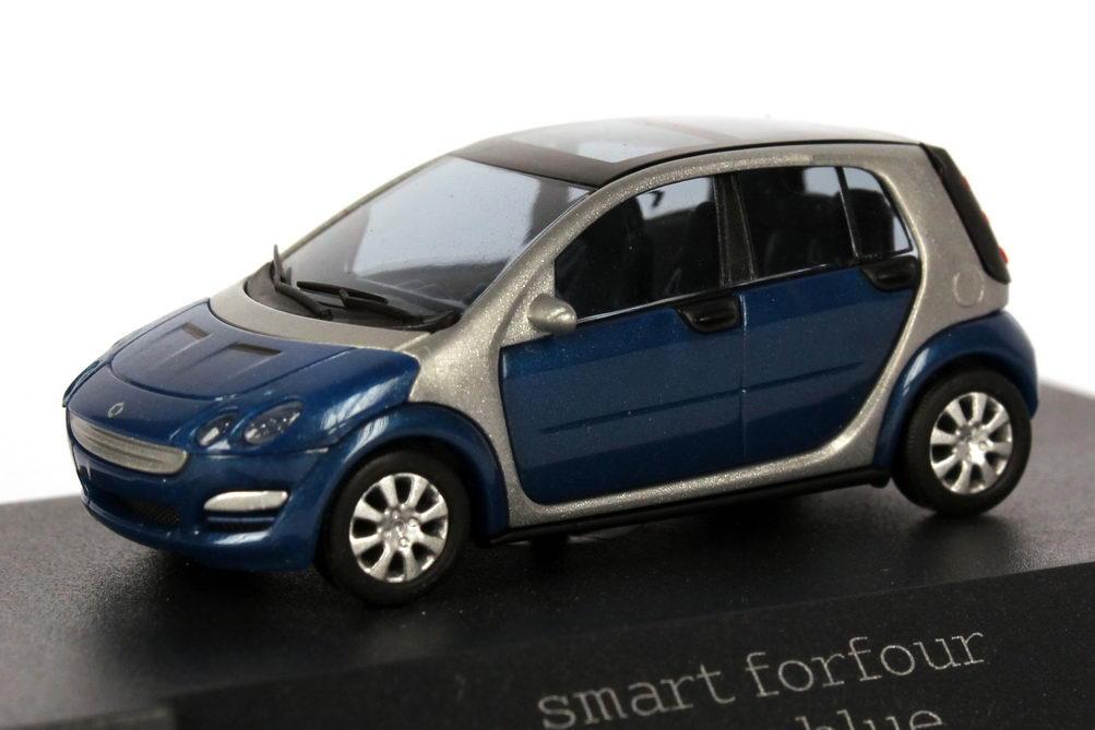 Foto 1:87 Smart Forfour star-blue-met. Werbemodell Busch 0017725V001C06Q00