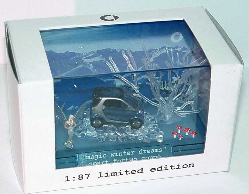 Foto 1:87 Smart Fortwo Coupé Magic winter dreams Christmas 2005 (Weihnachts-Diorama) Werbemodell Busch Q0022314V001C59Q00