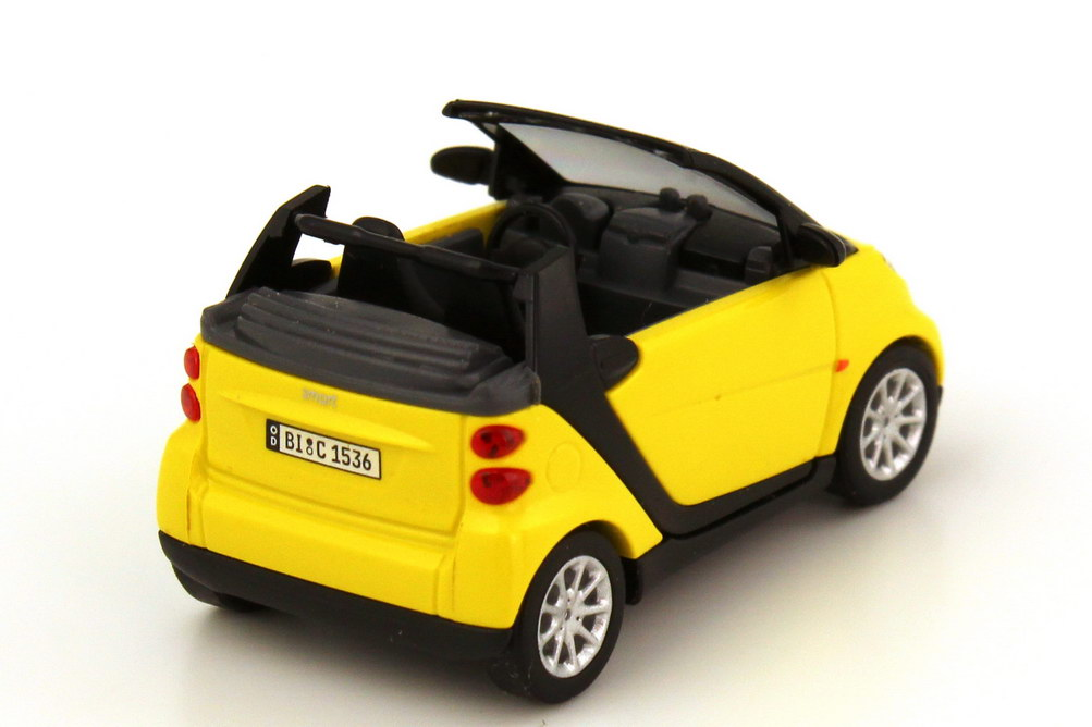 Foto 1:87 Smart Fortwo II Cabrio (A451) shine-yellow - Collection CMD Busch 46175
