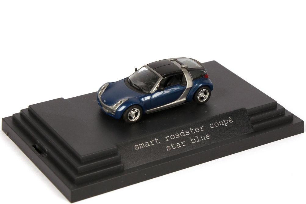 Foto 1:87 Smart Roadster Coupé star-blue-met. Werbemodell Busch 0014184V001C06Q00