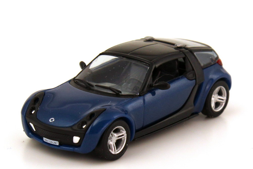 Foto 1:87 Smart Roadster Coupé (C452) star-blue-met. - Collection CMD Busch 49355
